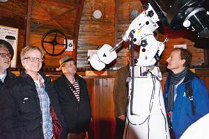 Det nya teleskopet i stjärnhusets gamla kupol imponerar.